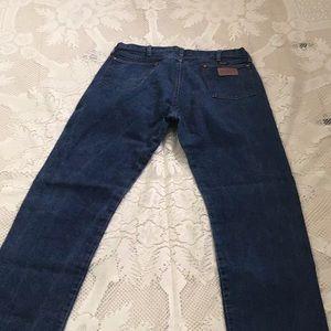 Wrangler 13MWZ size 37X34 💯%Cotton